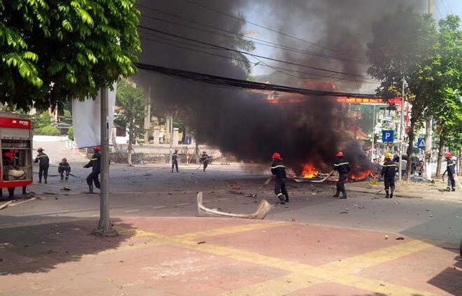Hiện trường chiếc taxi phát nổ.